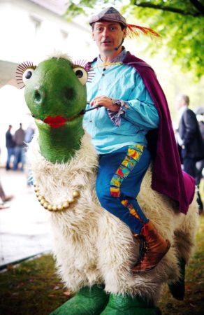 Walk-Acts und Straßenshow der Puppenparade Ortenau