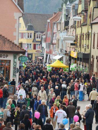 Frühlingsfest und verkaufsoffener Sonntag in Zell am Harmersbach