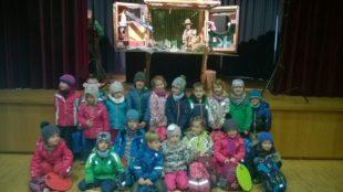 Kindergartenkinder auf Tour