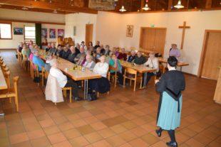Michaela Neuberger begeisterte die Nordracher Senioren
