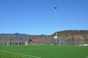 Zwei besondere Fans campen am Sportplatz in Unterentersbach