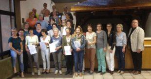 Netzwerk Nachbarschaftshilfe feiert Abschluss des Altenhilfekurses