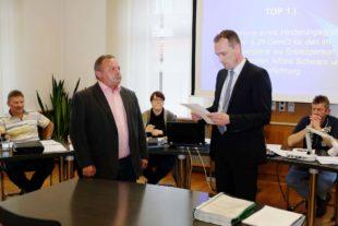 Gemeinderat Oberharmersbach verpflichtet CDU-Nachrücker Alfons Schwarz