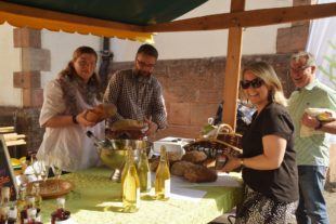 Einkaufsvergnügen beim Muttertagsmarkt der Landfrauen