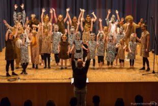 Lucky Kids begeisterten mit »Tuishi Pamoja«
