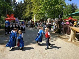 Gemeinde Oberharmersbach eröffnete die Wandersaison 2018 mit Akzent