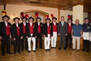 275 Jahre Dienst in der Historischen Bürgerwehr Oberharmersbach geleistet