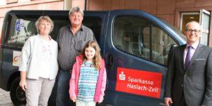 Sparkasse Haslach-Zell schließt Lücke auf dem Vereinsbus