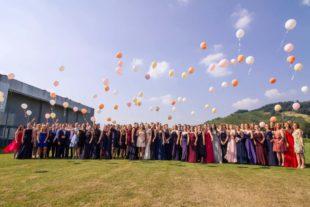 81 Abiturienten des Marta-Schanzenbach-Gymnasiums feiern ihren Abiball