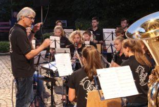Letztes Jahreskonzert für Siegfried Rappenecker mit der Jugendkapelle
