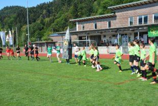 200 Ministranten spielten Fußball im Sportpark für den guten Zweck