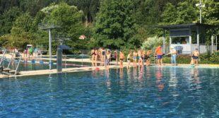 Spaß und jede Menge sportlicher Ehrgeiz beim Schwimmtag
