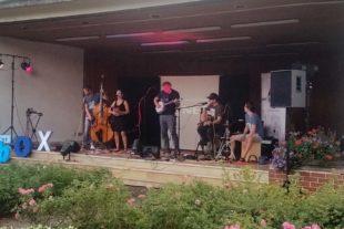 Besucher genossen Kurpark-Konzert und den lauen Sommerabend