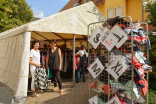 Zeltverkauf ist Kundenmagnet