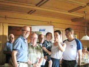 Goldene Verdienstnadeln für langjährige Vorstandsmitglieder