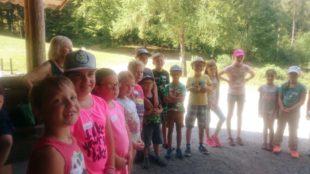 Zelli-Kinder erlebten mit dem Kneippverein die Natur im Herrenholz