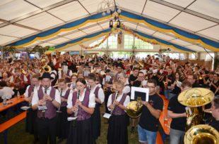 Prächtiges Musik- und Brauchtumsfest zum 50-jährigen Jubiläum des Musikvereins