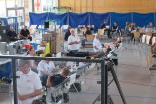 Rund 200 spendenwillige Blutspender