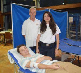 13 Erstspender kamen zur Blutspende