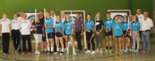 Handballerinnen der Südbaden Liga besuchen die Zeller Bogenschützen