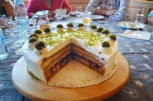 Die Moospfaff-Torte im Mittelpunkt