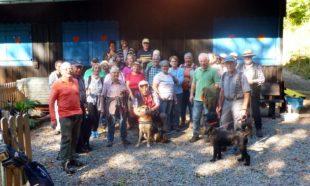 Senioren mit Wanderfreund Herbert Allgaier unterwegs