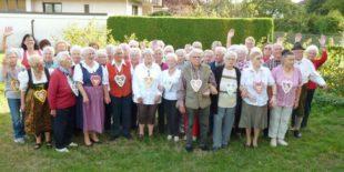 Biberacher Senioren feiern fröhlich unter dem Motto »O zapft isch«