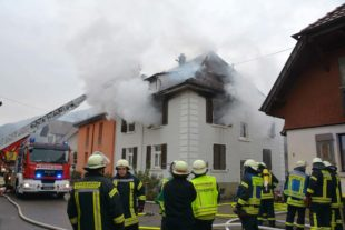 Doppelhaushälfte nach Brand unbewohnbar