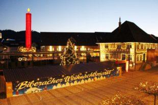 Weihnachtsmarkt im Kerzendorf