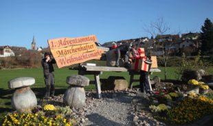 Vorbereitungen für das Adventsdorf und den Weihnachtsmarkt laufen