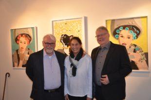 Bestsellerautorin Ursula Niehaus zeigt ihre Stoffkunst in der Arthus-Galerie