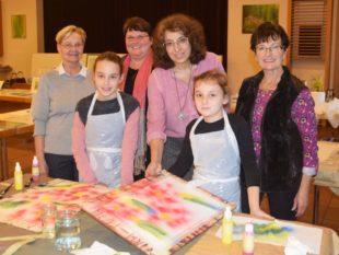 Kinder malten mit Künstlerin Simone Bischoff