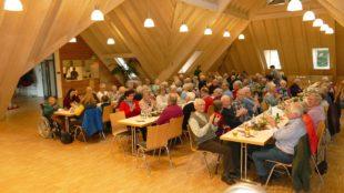 Gesellige Adventsfeier für Senioren