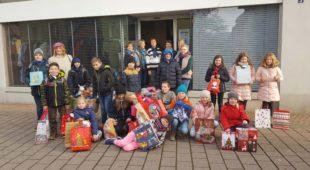 Zeller Schülerinnen und Schülern spenden an soziale Einrichtung