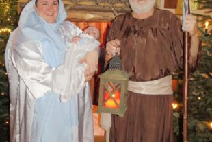 Weihnachtsspiel, Premiere des Gallus-Chörle und gemeinsames Singen