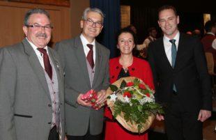 Große Medaille der Gemeinde in Gold für Siegfried Rappenecker