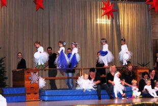 Kinder zeigen bei Nikolausfeier des TV Biberach ihr turnerisches Talent