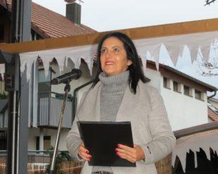 Biberacher Weihnachtsmarkt in der schönen Ortsmitte eröffnet Bürgermeisterin Daniela Paletta begrüßte die Gäste –