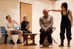 Theatergruppe Lampenfieber hat »Alles bestens geregelt«