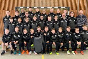 Hulverscheidt + Kindler GmbH  sponsert neues Outfit für D-Jugend