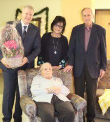 Glückwünsche zum 96. Geburtstag von Emma Bischler