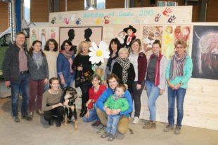 Hobbykünstler präsentieren Werke bei Vernissage in der Werkstatt