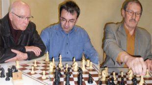 Schachclub Zell verteidigt Führung