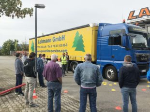 Lkw-Auflieger samt Fracht gestohlen