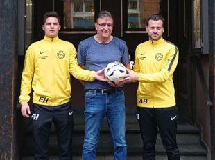 Töpfer spendet Derby-Ball