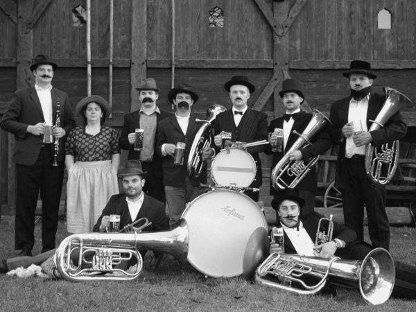 Blasmusik- und Wanderwochen