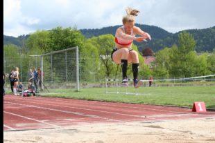 Cora-Maria Burger schafft Norm für Deutsche Jugendmeisterschaften