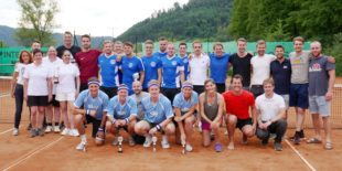 Nicht-Aktive schwangen beim Dorfturnier des TC Biberach den Tennisschläger