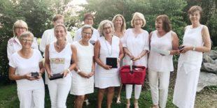 Dresscode »Weiß« bei Golfturnier für die Frauen vom Gröbernhof