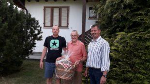 Bürgerwehr gratuliert Ehrenmitglied Hermann Schneider zum 80.